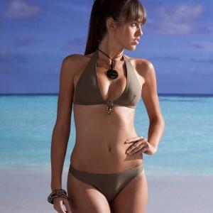 vanessa_laurence_bikini_plage