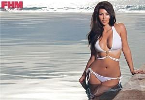 kim-kardashian-fhm-L-7